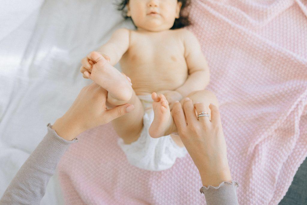 עיסוי תינוקות - איך עושים מסג' לתינוק